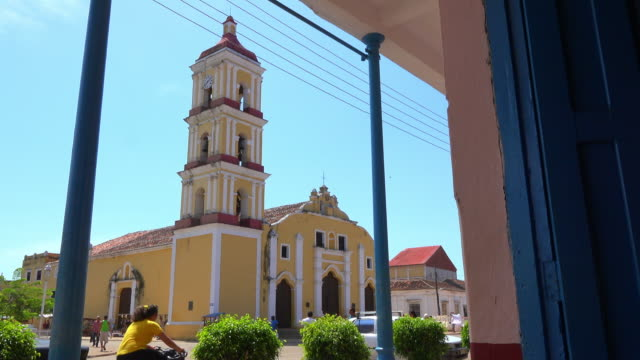remedios, cuba: old colonial catholic church in the centre of the small city - pedal pushers stock videos & royalty-free footage
