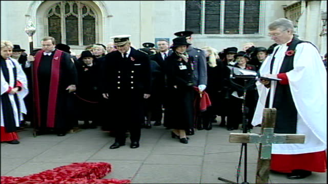 duke of edinburgh visits field of remembrance; england: london: westminster: ext * * intermittent flash photography * * prince philip, duke of... - westminster cathedral stock videos & royalty-free footage