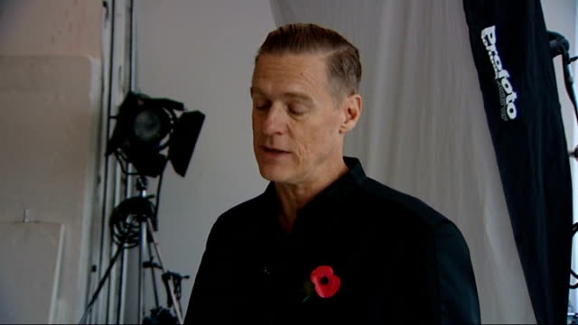 vidéos et rushes de remembrance sunday bryan adams photography exhibition england london int bryan adams interview sot - bryan adams
