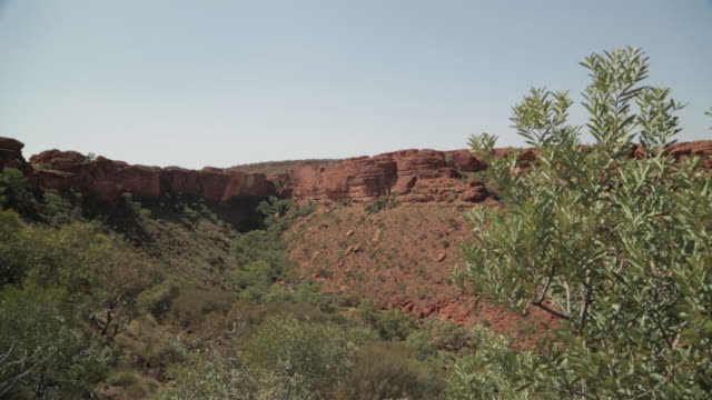 remote king's canyon at the red centre, nt - northern territory australia stock videos & royalty-free footage
