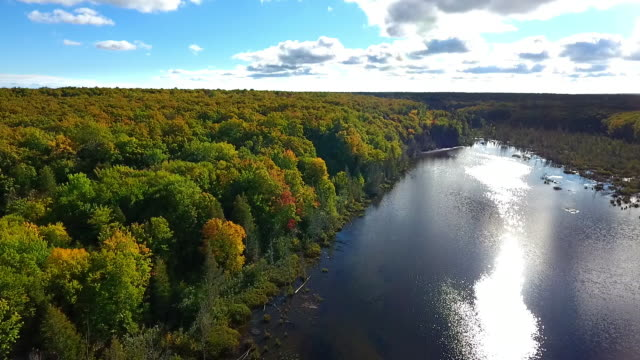 remote lake in the upper peninsula of michigan from above - upper peninsula stock videos & royalty-free footage
