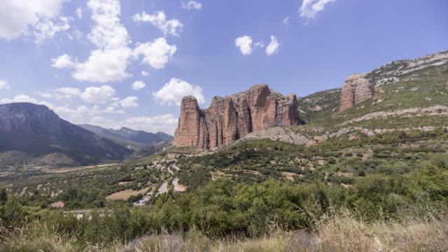 a remote village down the huge rocks 1 - pueblo bonito stock videos & royalty-free footage