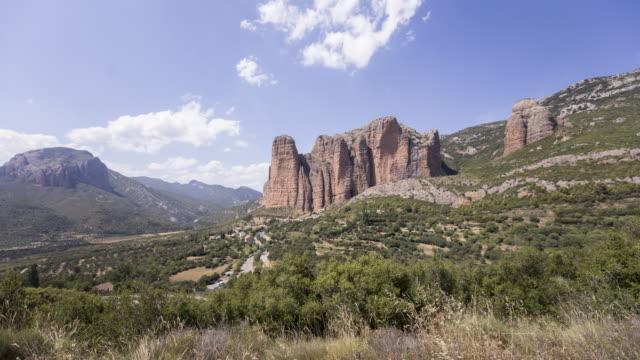 a remote village down the huge rocks 3 - pueblo bonito stock videos & royalty-free footage