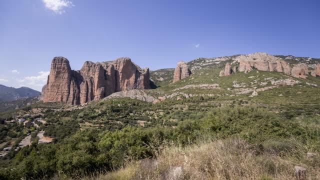 a remote village down the huge rocks 4 - pueblo bonito stock videos & royalty-free footage
