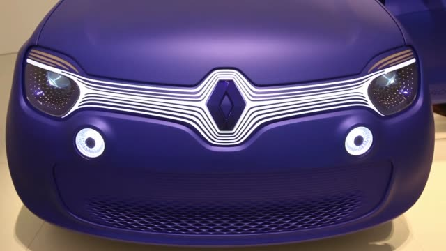 A Renault TwinZ concept automobile designed by British designer Ross Lovegrove for the French car manufacturer Renault SA sits on display with open...