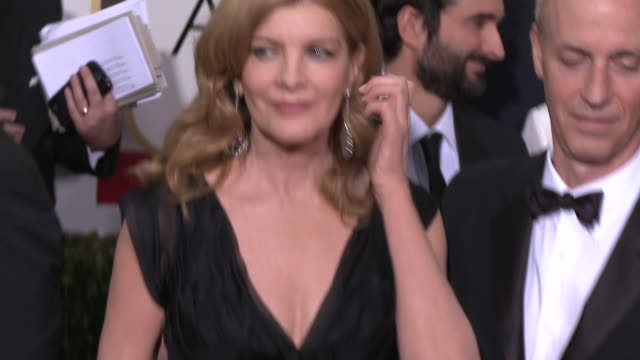 rene russo at the 72nd annual golden globe awards - arrivals at the beverly hilton hotel on january 11, 2015 in beverly hills, california. - レネ・ルッソ点の映像素材/bロール