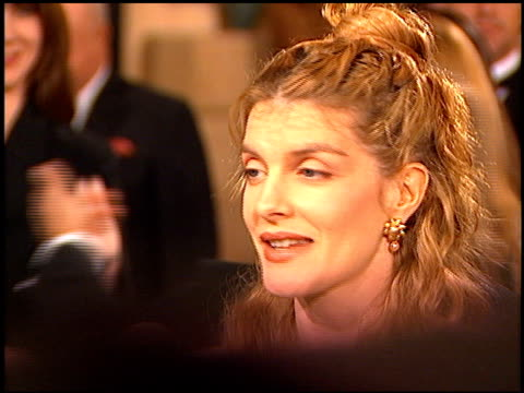 rene russo at the afi honors honoring clint eastwood entrances at the beverly hilton in beverly hills, california on march 1, 1996. - レネ・ルッソ点の映像素材/bロール