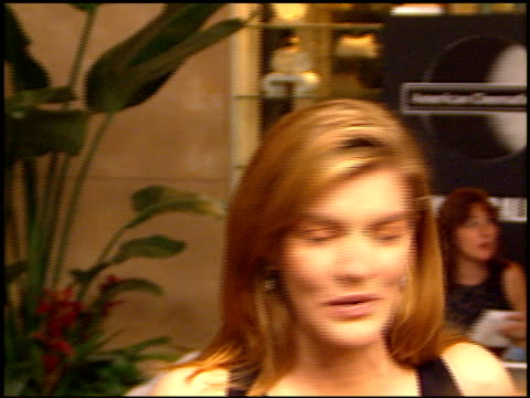 rene russo at the american cinematheque ball at the beverly hilton in beverly hills, california on september 13, 1997. - レネ・ルッソ点の映像素材/bロール