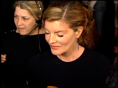 rene russo at the showtime at grauman's chinese theatre in hollywood, california on march 11, 2002. - レネ・ルッソ点の映像素材/bロール