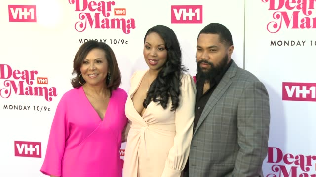 renee brocks codie elaine oliver tommy oliver at vh1 dear mama a love letter to mom premieres monday may 6th at 10pm et/pt on vh1 in los angeles ca - vh1 stock videos & royalty-free footage