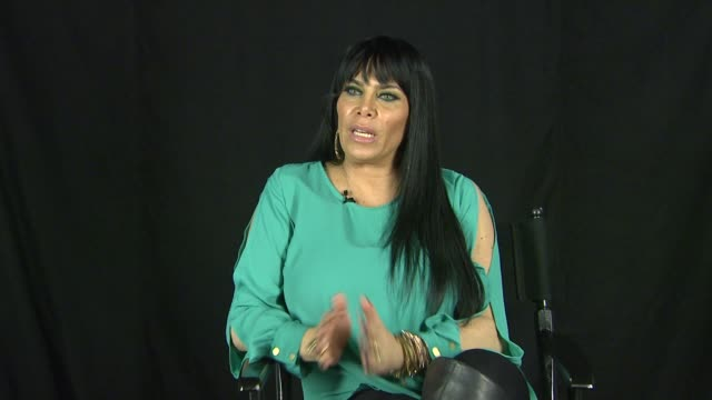 vídeos de stock, filmes e b-roll de renee graziano on her ex-husband, father and son. interview - renee graziano on her ex-husband, on april 17, 2013 in los angeles, california - ex