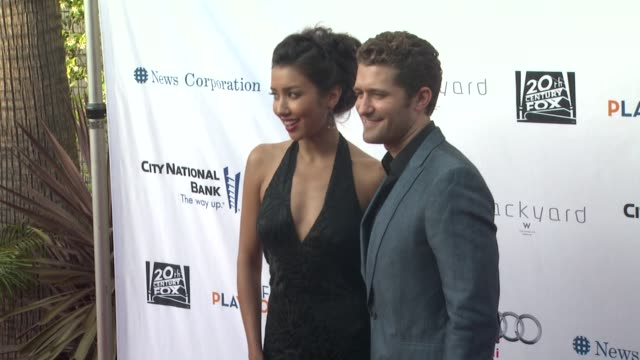 stockvideo's en b-roll-footage met renee puente and matthew morrison at backstage at the geffen fundraiser renee puente and matthew morrison at backstage at at geffen playhouse on june... - puente