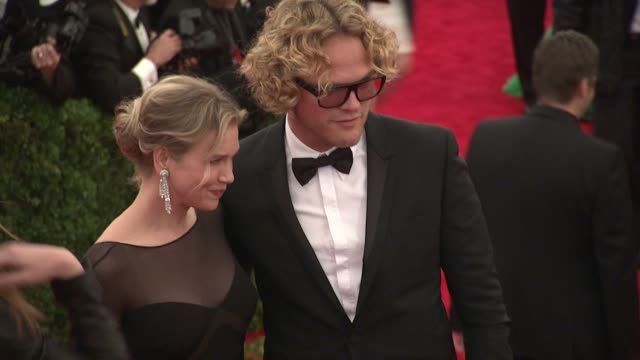 renee zellweger and peter dundas at schiaparelli and prada impossible conversations costume institute gala at metropolitan museum of art on may 07... - renée zellweger stock videos and b-roll footage