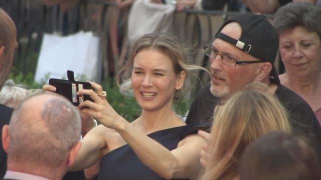 renee zellweger at 'bridget jones's baby' world premiere at odeon leicester square on september 5 2016 in london england - renee zellweger stock videos & royalty-free footage