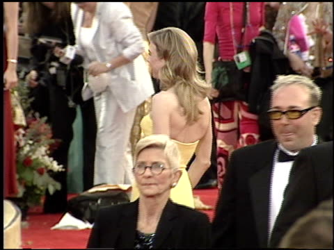 renee zellweger at the 2001 academy awards at the shrine auditorium in los angeles california on march 25 2001 - 73rd annual academy awards stock videos & royalty-free footage