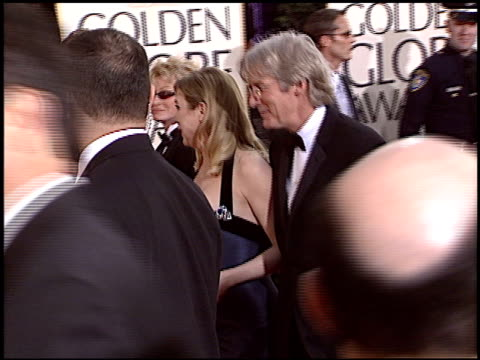 vidéos et rushes de renee zellweger at the 2004 golden globe awards at the beverly hilton in beverly hills, california on january 25, 2004. - golden globe awards