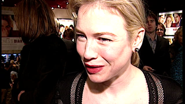 renee zellweger at the premiere for bridget jones's diary shows interior shots renee zellweger answering questions about the film and filming in... - renée zellweger stock videos and b-roll footage