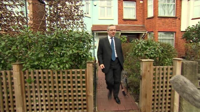 michael gove and boris johnson doorstep interviews england london ext michael gove mp leaving house and along to car as ignoring questions from... - michael gove stock-videos und b-roll-filmmaterial