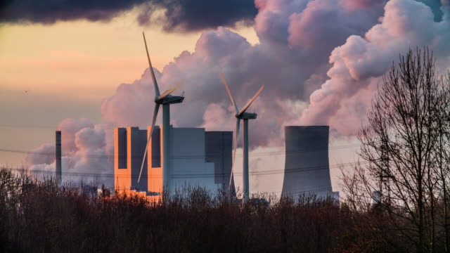 renewable vs fossil energy - fossil fuel stock videos & royalty-free footage