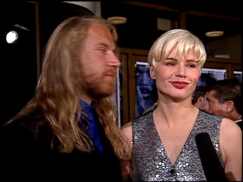 renny harlin at the premiere of 'the long kiss goodnight' at the mann national theatre in westwood, california on october 7, 1996. - レニー ハーリン点の映像素材/bロール