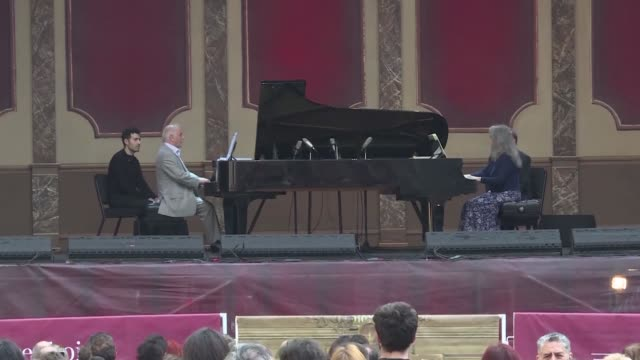 Renowned Argentine pianists Daniel Barenboim and Martha Argerich give a free outdoor concert Saturday at the Barenboim Festival in Buenos Aires