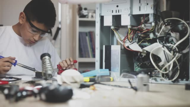 repairing computer parts - ecuadorian ethnicity stock videos and b-roll footage
