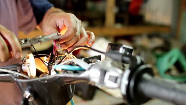 repairing vintage motorbike - training course stock videos & royalty-free footage