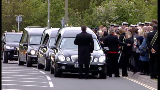 repatriation of two british servicemen shot dead by members of afghan police england oxfordshire carterton ext cortege of hearses towards hearse... - carro funebre video stock e b–roll