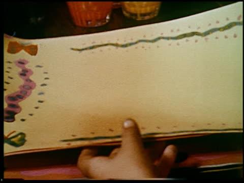 report in primary colors - 25 of 30 - andere clips dieser aufnahmen anzeigen 2408 stock-videos und b-roll-filmmaterial