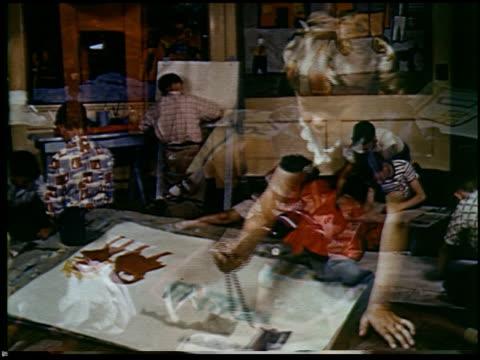 report in primary colors - 26 of 30 - andere clips dieser aufnahmen anzeigen 2408 stock-videos und b-roll-filmmaterial