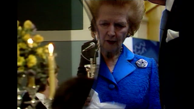 vídeos de stock, filmes e b-roll de report on whether margaret thatcher is responsible for today's doubledip recession t09109713 / tx blackpool margaret thatcher looking down at british... - 1986