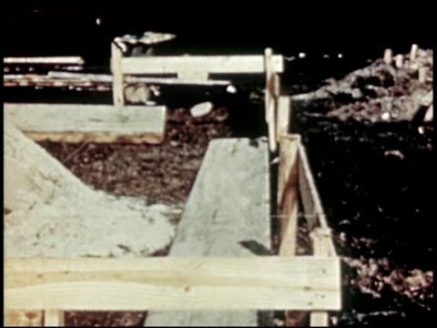 a report to home builders - 11 of 20 - この撮影のクリップをもっと見る 2312点の映像素材/bロール