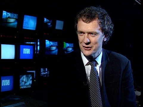 itn reporter joan thirkettle dies england london itn cms stewart purvis intvwd sot thirkettle became part of the itn family/ she was liked and loved... - dermot murnaghan stock-videos und b-roll-filmmaterial