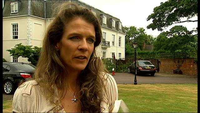 reporter to camera annabel croft interview sot sign for centre court south east hall people queuing vox pops - croft stock videos & royalty-free footage