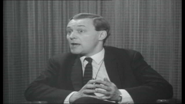vídeos de stock, filmes e b-roll de postmaster general england london int anthony wedgwood benn tony benn interview sot worried about bugging devices difficult to say that everything... - tony benn