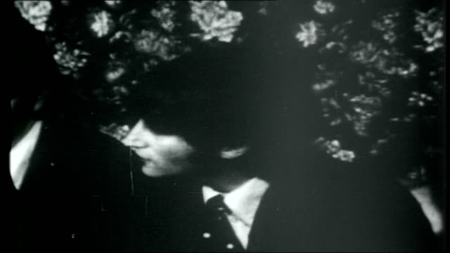 vídeos de stock e filmes b-roll de the beatles across america chicago john lennon interview sot originally i was pointing out that fact in reference to england we meant more to kids... - the beatles