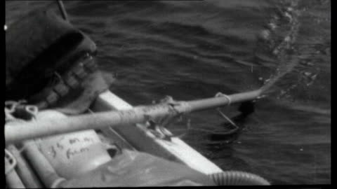 vídeos de stock, filmes e b-roll de they rowed the atlantic; at sea: shots of waves and high seas taken from camera attached to front of boat english rose iii / ridgeway rowing / oars... - atado