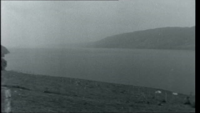 vídeos de stock, filmes e b-roll de scotland loch ness monster general view of loch ness - loch