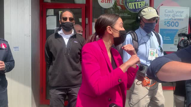 representative alexandria ocasio-cortez thanks the media and elbow bumps goodbye as she visits a mobile vaccination site in the bronx on friday... - brooklyn new york stock videos & royalty-free footage