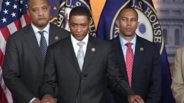 vídeos y material grabado en eventos de stock de representative cedric richmond is asked about the recent death of an african american in baton rouge in his state of louisiana that it equated to a... - georgia estado de eeuu