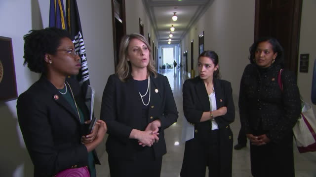 representative katie hill comments on her support for tj coxõs bill that offers loans to unpaid federal workers during the u.s. government shutdown... - hill点の映像素材/bロール