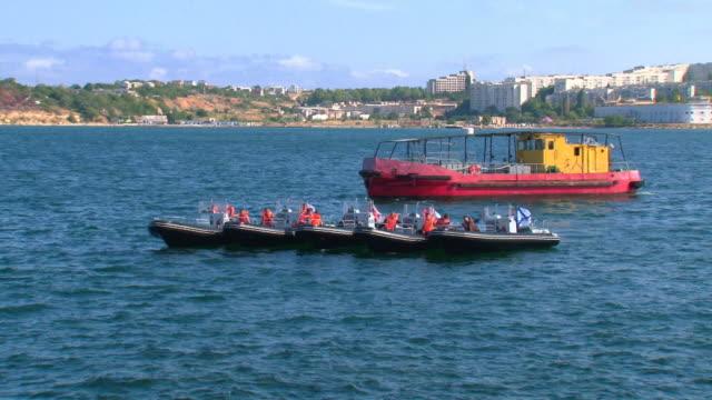 stockvideo's en b-roll-footage met rescue training - red sea