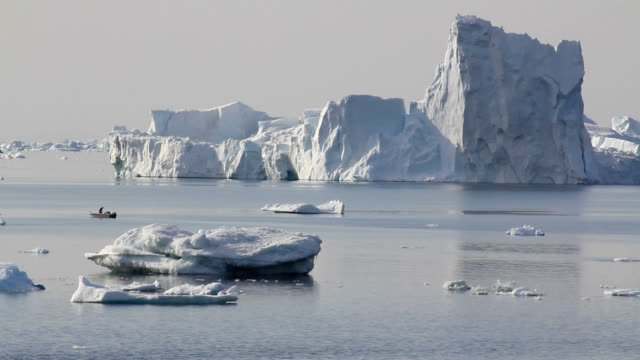 research boat amongst icebergs - climate research stock videos & royalty-free footage