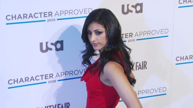 vídeos y material grabado en eventos de stock de reshma shetty at the 2nd annual character approved awards cocktail reception at new york ny - aprobado