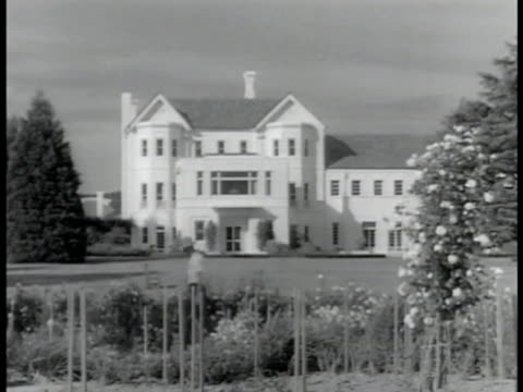 Residence of GovernorGeneral 'Government House' in suburb of Canberra Alexander Gore Arkwright HoreRuthven 1st Earl of Gowrie w/ wife Lady Caroline...