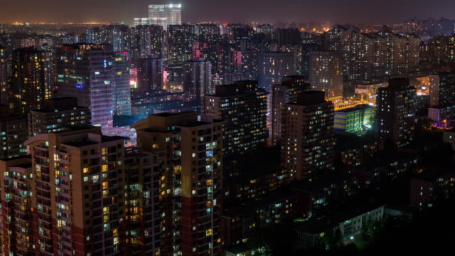 t/l ha pan wohngebiet in der nacht / peking, china - fensterfront stock-videos und b-roll-filmmaterial
