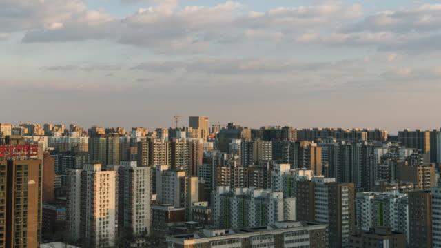 T/L WS HA bâtiments résidentiels TD, changeant dans la lumière du soleil / Pékin, Chine