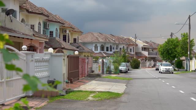 residential district at kuala lumpur, malaysia - kuala lumpur stock-videos und b-roll-filmmaterial
