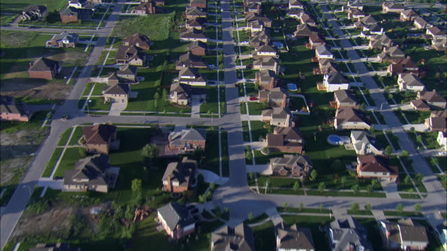 LOW AERIAL, Residential district, Chicago suburbs, Illinois, USA