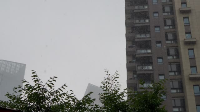 residential district in heavy rain - liyao xie stock videos & royalty-free footage